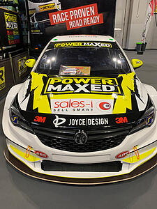 sales-i-logo-on-PMR-car