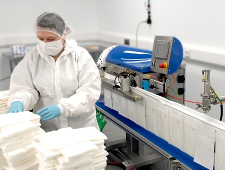 cleanroom_packing_and_liquid_filling_4